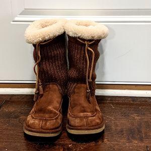 Ugg Brown Suburb Crochet Women's 9 Boots sheepskin